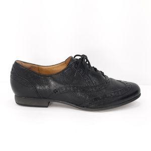 Clarks Leather Wingtip Oxfords EUC